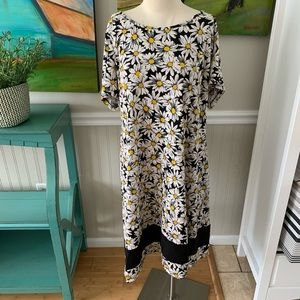 Ronni Nicole Daisy dress black white size …